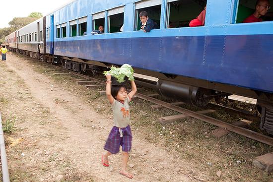 g_train05_photontrip.jpg